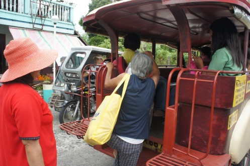 Oya Choleng is our guide to Mapaso. The regular Jeepney charges 18 pesos each from the Poblacion (my place) to Sitio Taisan, Buhang where Mapaso is located.