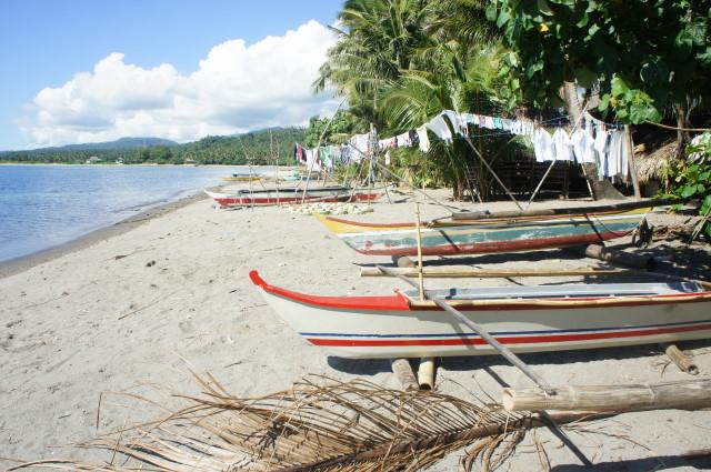 Bulusan's indispensable bancas