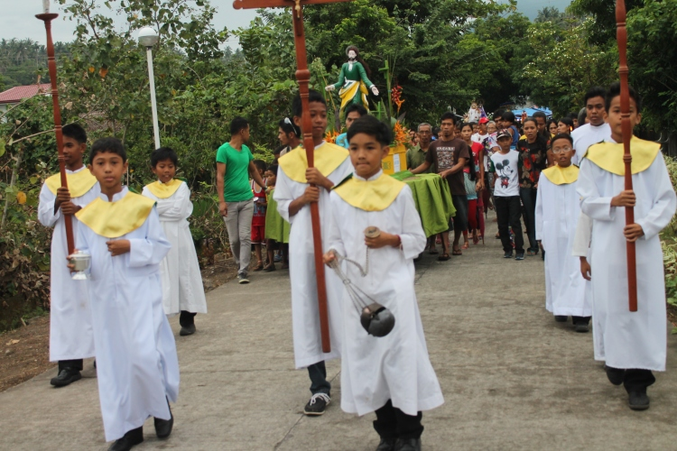 Afternoon procession after the novenario mass.